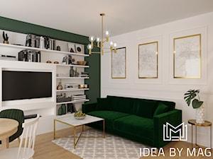 Klasa. - Średni biały zielony salon z bibiloteczką z jadalnią - zdjęcie od Idea by Mag.