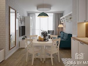 Skandynawskie wnętrze ze szczyptą koloru - Mała otwarta kuchnia jednorzędowa w aneksie z oknem, styl skandynawski - zdjęcie od Idea by Mag.