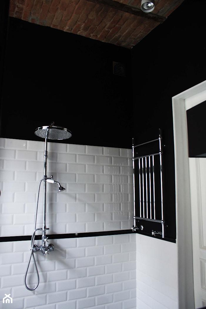 Showroom Motocultura7 - Łazienka, styl klasyczny - zdjęcie od DEKA DESIGN - Homebook
