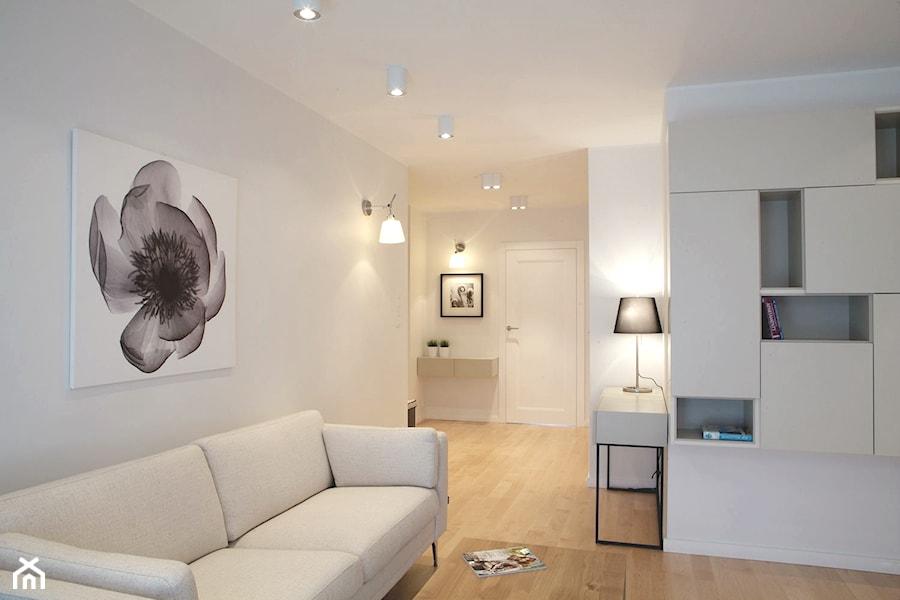 Klasycznie i nowocześnie. Apartament ponadczasowy. - Salon, styl nowoczesny - zdjęcie od DEKA DESIGN