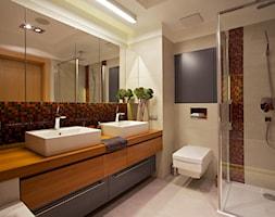 Średnia beżowa kolorowa łazienka, styl nowoczesny - zdjęcie od DEKA DESIGN