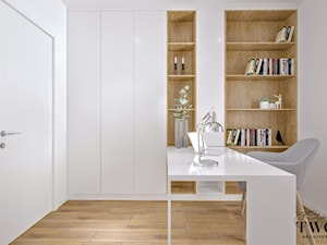 Dom w Jarocinie - Małe białe biuro domowe w pokoju, styl nowoczesny - zdjęcie od Klaudia Tworo Projektowanie Wnętrz
