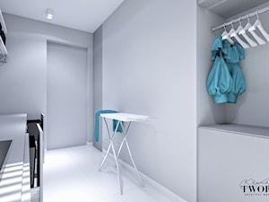 Średnia zamknięta garderoba oddzielne pomieszczenie, styl nowoczesny - zdjęcie od Klaudia Tworo Projektowanie Wnętrz