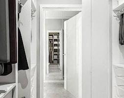 Villa Nobile 2 - Mała otwarta garderoba oddzielne pomieszczenie, styl nowoczesny - zdjęcie od Klaudia Tworo Projektowanie Wnętrz