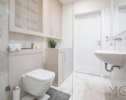 MIeszkanie Mokotów - Mała łazienka w bloku bez okna, styl klasyczny - zdjęcie od Pracownia Architektoniczna Małgorzaty Górskiej-Niwińskiej
