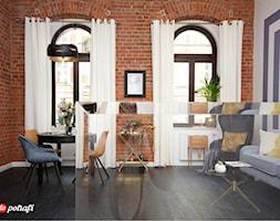 Apartament w starej kamienicy we Wrocławiu - Średni szary biały salon z jadalnią, styl glamour - zdjęcie od Pani to potrafi