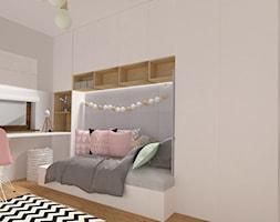 Pokój Tosi - Mały szary pokój dziecka dla chłopca dla dziewczynki dla ucznia dla nastolatka, styl minimalistyczny - zdjęcie od emilia cieśla | design & interior design