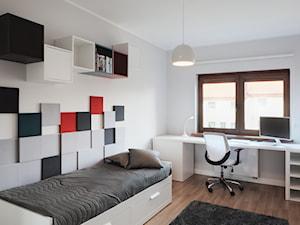 Pokój nastolatki - Mały biały pokój dziecka dla chłopca dla dziewczynki dla ucznia dla nastolatka, styl minimalistyczny - zdjęcie od emilia cieśla | design & interior design