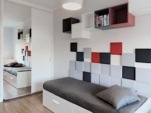 Pokój nastolatki - Średni biały kolorowy pokój dziecka dla chłopca dla nastolatka, styl minimalistyczny - zdjęcie od emilia cieśla | design & interior design