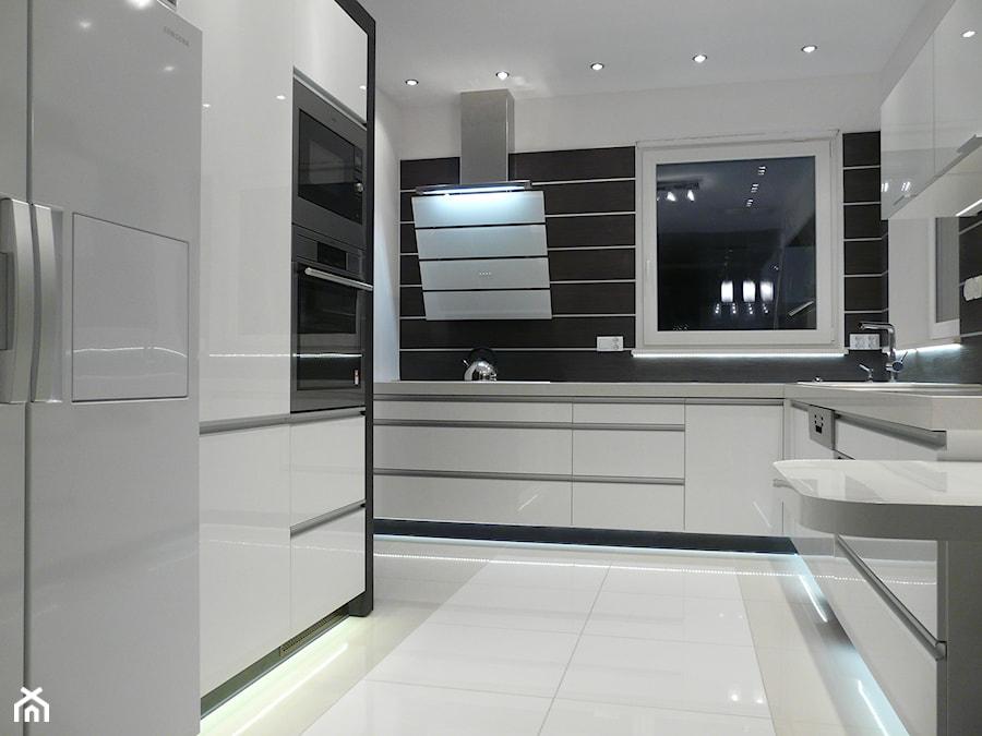 Kuchnia biała  zdjęcie od Classic Meble Vero Mebel -> Biala Kuchnia Obrazy