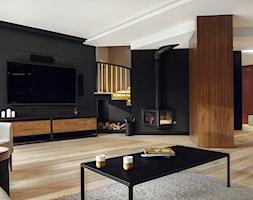 Dom IV - Duży czarny salon, styl nowoczesny - zdjęcie od SIKORA