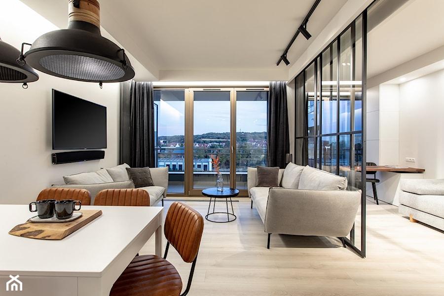 Orzech amerykański - Średni szary salon z jadalnią, styl minimalistyczny - zdjęcie od emDesign home & decoration