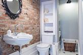 wąska łazienka w stylu skandynawskim