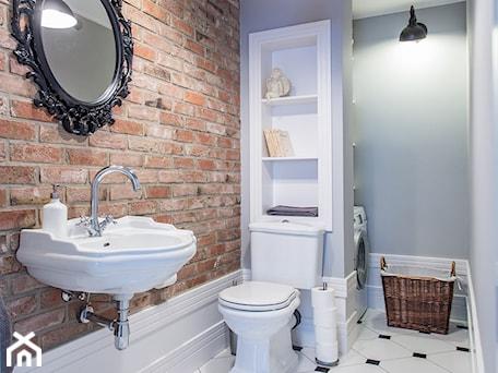 Dom nad Wisłą - Średnia szara czerwona łazienka bez okna, styl skandynawski - zdjęcie od emDesign home & decoration
