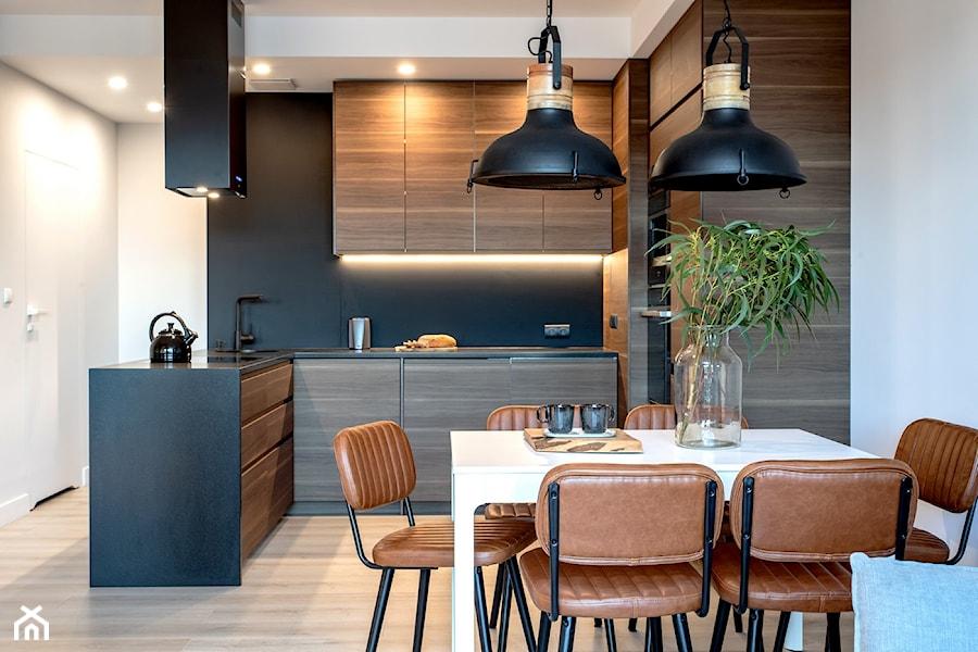 Orzech amerykański - Jadalnia, styl minimalistyczny - zdjęcie od emDesign home & decoration