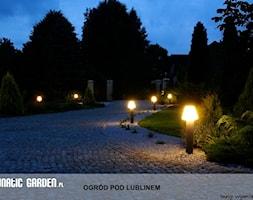 Ogród pod Lublinem - Średni ogród przed domem - zdjęcie od Lunatic Garden