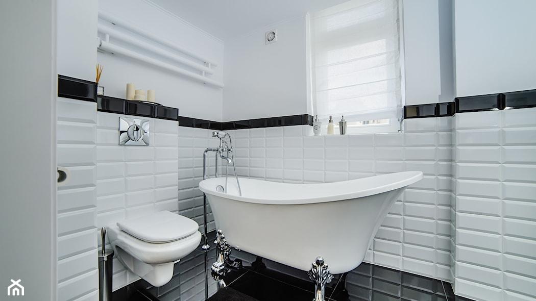 Łazienka w bieli i czerni – 10 uroczych inspiracji - homebook