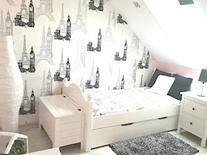 Pokój dla dziewczynki - Mały biały szary różowy pokój dziecka dla chłopca dla dziewczynki dla ucznia dla malucha dla nastolatka, styl nowoczesny - zdjęcie od I.N. Projekt