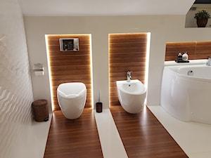 Łazienka na poddaszu w domu jednorodzinnym - zdjęcie od I.N. Projekt