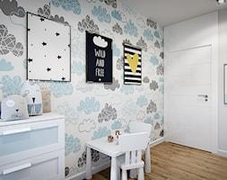 Mieszkanie os. Wilno - Mały biały szary kolorowy pokój dziecka dla chłopca dla dziewczynki dla ucznia dla malucha, styl nowoczesny - zdjęcie od DEDEKO