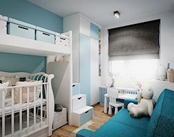 Mieszkanie os. Wilno - Mały biały niebieski pokój dziecka dla chłopca dla dziewczynki dla ucznia dla niemowlaka, styl nowoczesny - zdjęcie od DEDEKO