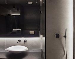 ovo - Mała szara łazienka w bloku w domu jednorodzinnym bez okna - zdjęcie od Dekoncept - Homebook