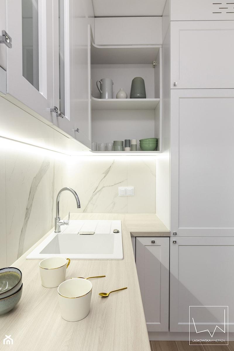 WARSZAWSKA kawalerka z c i a s n y m budżetem I 26m2 - Kuchnia, styl nowoczesny - zdjęcie od LaskowskaWnętrza