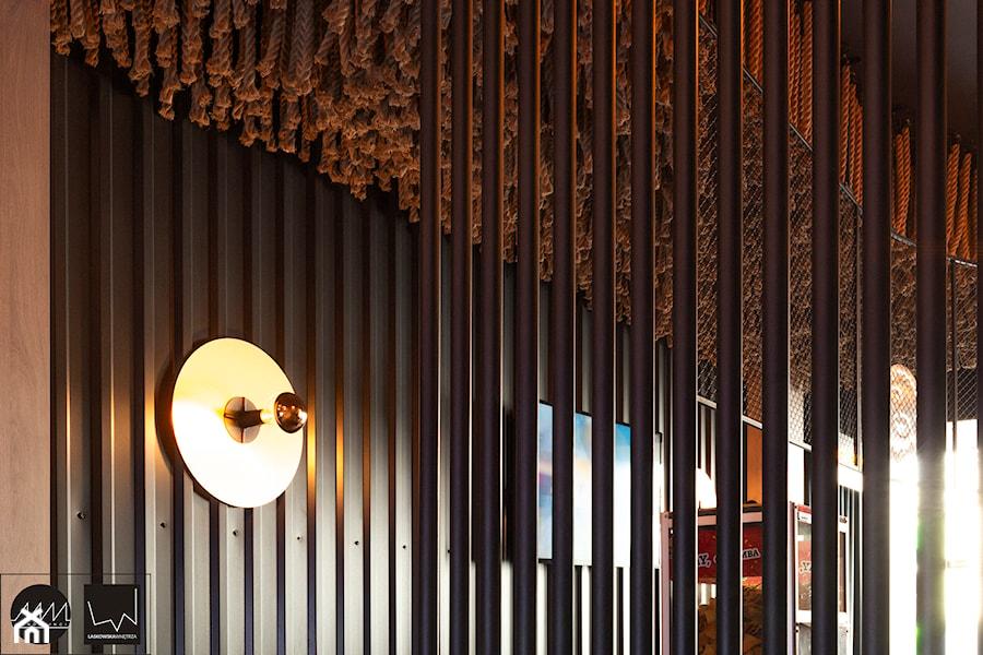Realizacja wnętrz Klubu #Hashtag Chill _Poznań - Wnętrza publiczne, styl industrialny - zdjęcie od LaskowskaWnętrza