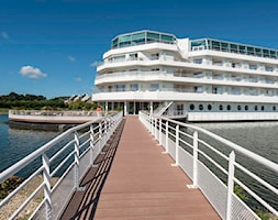 Hotel+na+wodzie+-+zdj%C4%99cie+od+Dh-System+-+sk%C5%82ad+firmowy+SILVADEC