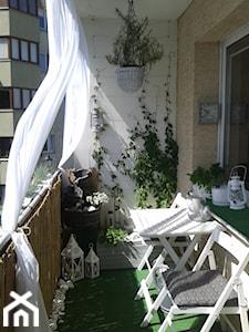 Czym osłonić balkon od sąsiadów? 4 pomysły na osłony na balkon