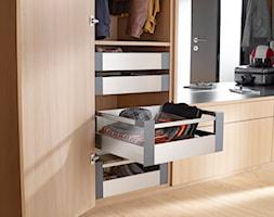 Szafa cargo w każdym pomieszczeniu - Garderoba, styl nowoczesny - zdjęcie od Blum - Homebook