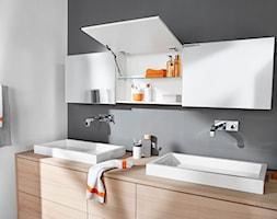 Szafki górne z podnośnikami zamiast drzwiczek - Łazienka, styl nowoczesny - zdjęcie od Blum - Homebook