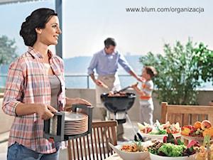 Kuchenni pomocnicy przy grillu