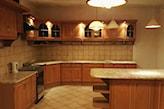 malowanie mebli kuchennych z drewna
