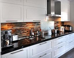 Średnia kuchnia jednorzędowa w aneksie, styl rustykalny - zdjęcie od Inspired Living Home