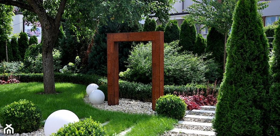 Jak zaprojektować i założyć ogród krok po kroku?