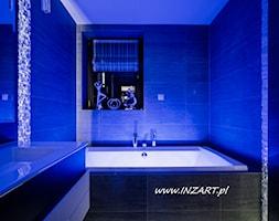 Wnętrze łazienki w domu jednorodzinnym - zdjęcie od INZART.pl - Homebook