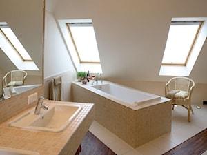 Łazienka na poddaszu - zdjęcie od drawski