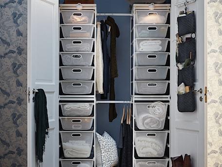 Aranżacje wnętrz - Garderoba: Przechowywanie IKEA - Garderoba, styl nowoczesny - IKEA. Przeglądaj, dodawaj i zapisuj najlepsze zdjęcia, pomysły i inspiracje designerskie. W bazie mamy już prawie milion fotografii!