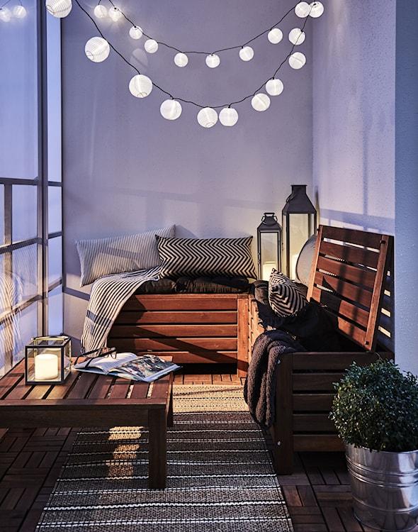 drewniane skrzynie na balkon