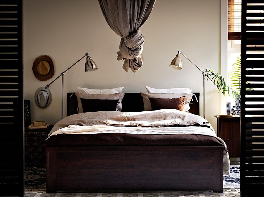 Sypialnia IKEA - Średnia beżowa sypialnia dla gości, styl rustykalny - zdjęcie od IKEA