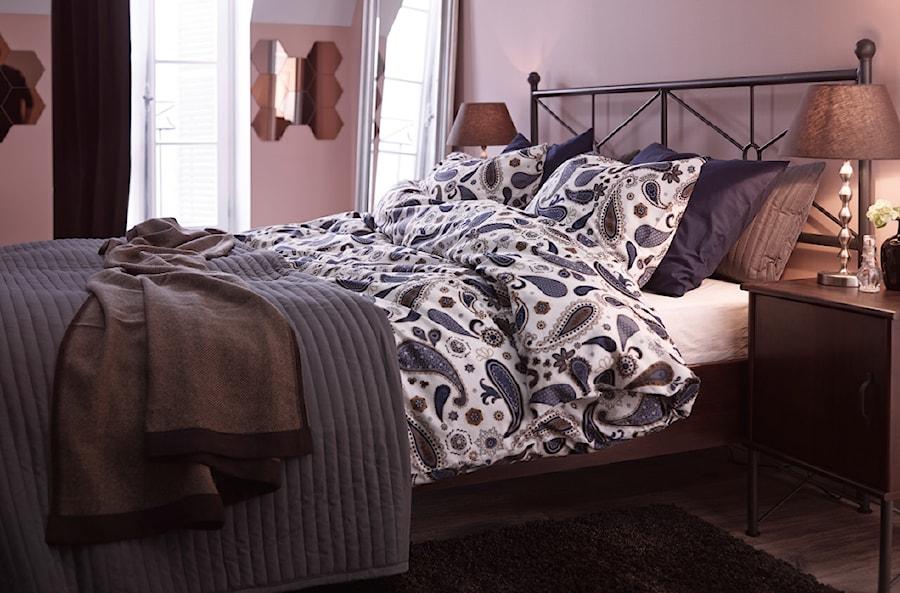 Sypialnia IKEA - Mała różowa sypialnia małżeńska, styl tradycyjny - zdjęcie od IKEA