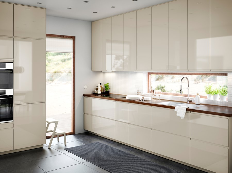 kuchnia ikea du a bia a kuchnia w kszta cie litery l styl nowoczesny zdj cie od ikea homebook. Black Bedroom Furniture Sets. Home Design Ideas