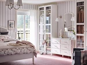 Sypialnia IKEA - Średnia sypialnia małżeńska z balkonem / tarasem - zdjęcie od IKEA