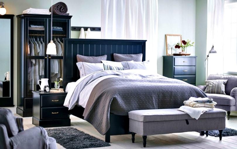 Sypialnia IKEA - Średnia biała szara sypialnia małżeńska - zdjęcie od IKEA