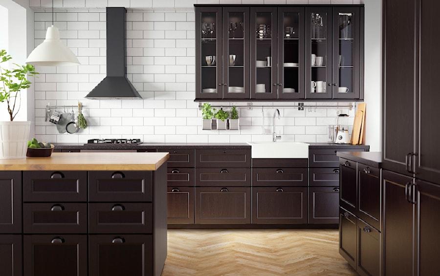 Kuchnia Ikea Srednia Otwarta Biala Kuchnia Z Oknem Zdjecie Od