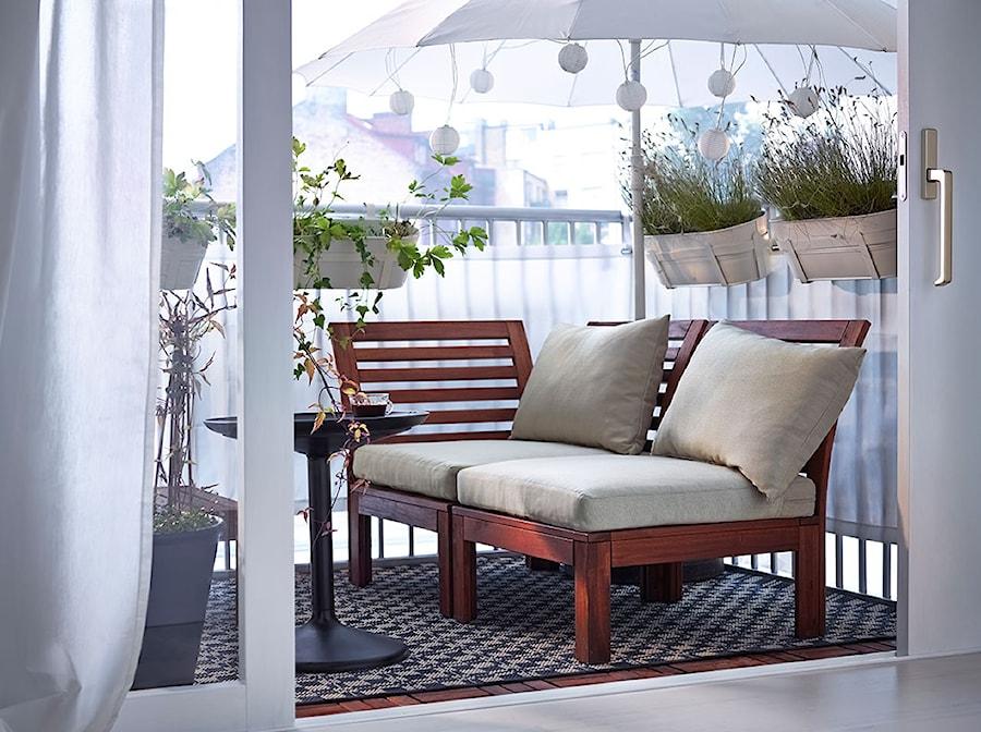 Aranżacje wnętrz - Taras: Balkon i ogród IKEA - Mały taras - IKEA. Przeglądaj, dodawaj i zapisuj najlepsze zdjęcia, pomysły i inspiracje designerskie. W bazie mamy już prawie milion fotografii!