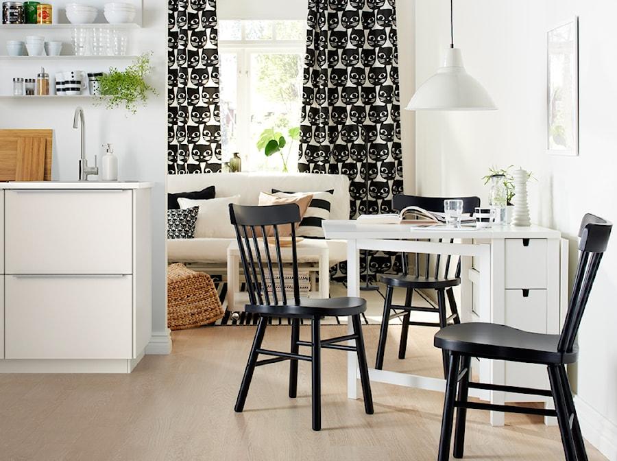 Jadalnia Ikea Srednia Otwarta Biala Jadalnia W Kuchni Zdjecie Od