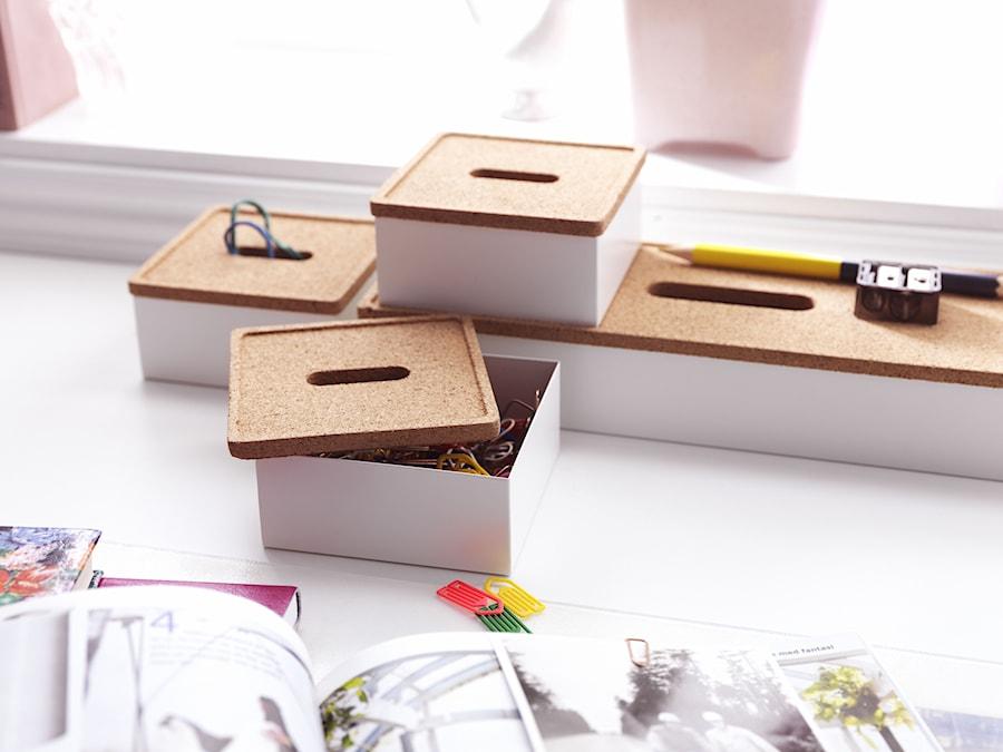 Aranżacje wnętrz - Pokój dziecka: Pokój dziecka IKEA - Mały biały pokój dziecka dla chłopca dla dziewczynki dla niemowlaka dla malucha dla nastolatka - IKEA. Przeglądaj, dodawaj i zapisuj najlepsze zdjęcia, pomysły i inspiracje designerskie. W bazie mamy już prawie milion fotografii!