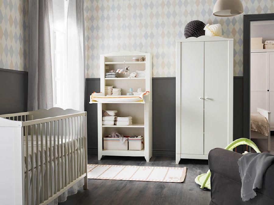 Aranżacje wnętrz - Pokój dziecka: Pokój dziecka IKEA - Średni szary pastelowy kolorowy pokój dziecka dla chłopca dla dziewczynki dla niemowlaka - IKEA. Przeglądaj, dodawaj i zapisuj najlepsze zdjęcia, pomysły i inspiracje designerskie. W bazie mamy już prawie milion fotografii!
